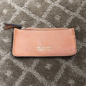 Reaction Kenneth Cole Small Wristlet